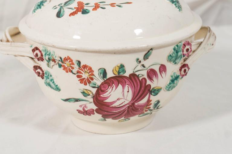 We are pleased to offer this lovely 18th century creamware sugar bowl in the