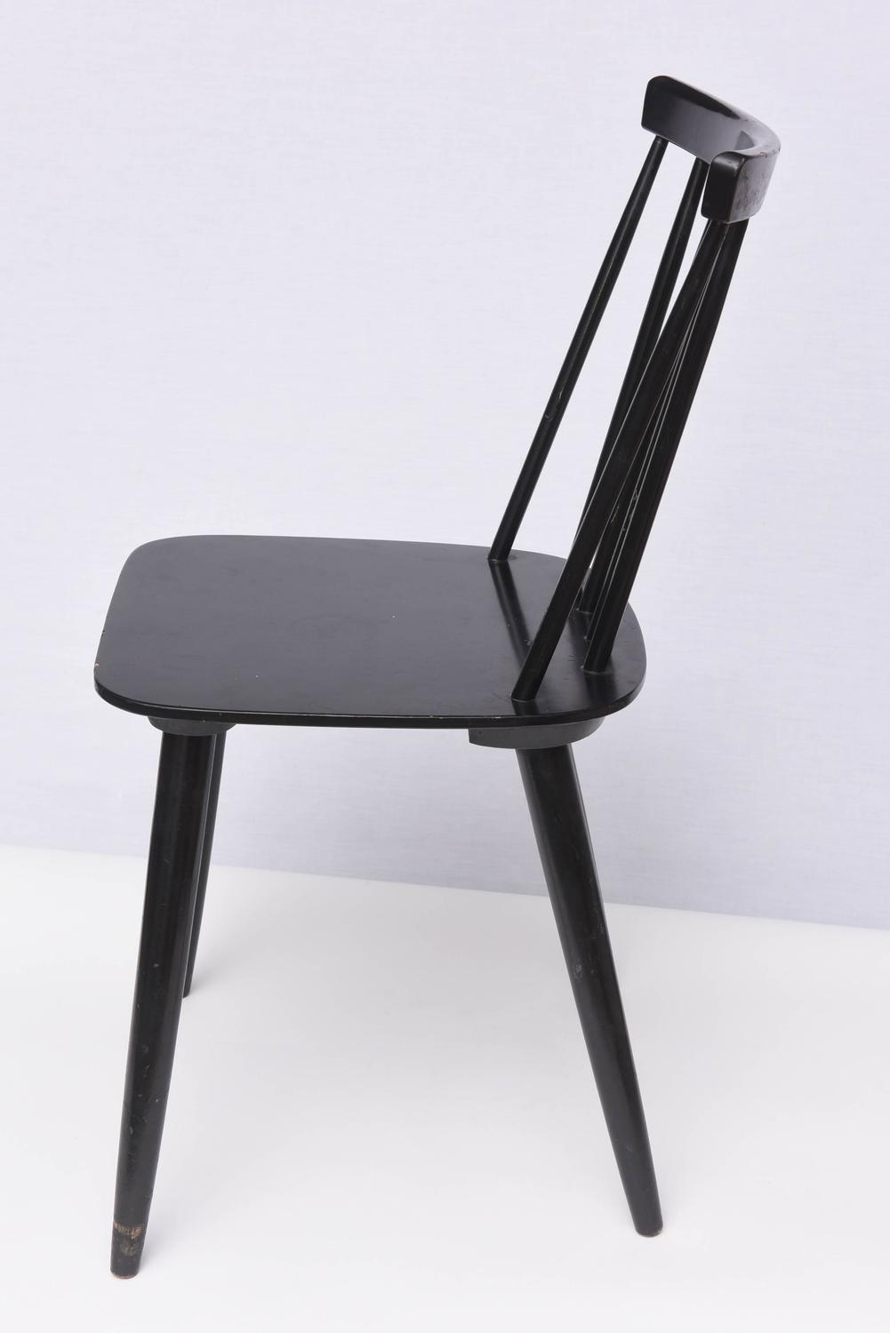 Set Of Three Varjonen Wooden Chairs In Black Lacquer 1950s Finland At 1stdibs