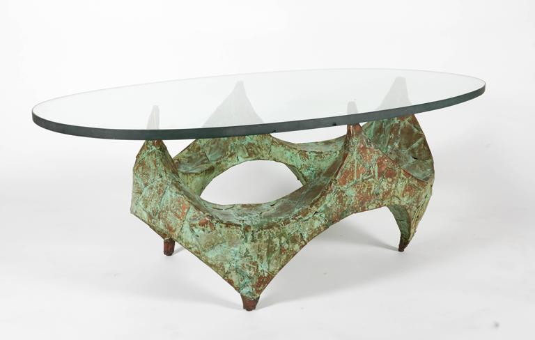 Brutalist Paul Evans Hand-Hammered and Patinated Copper Studio Coffee Table, USA, 1960s For Sale