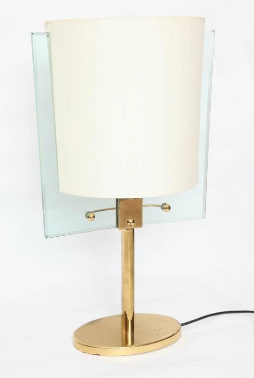 Late 20th Century Italian Glass and Brass Table Lamp by Fontana Arte For Sale