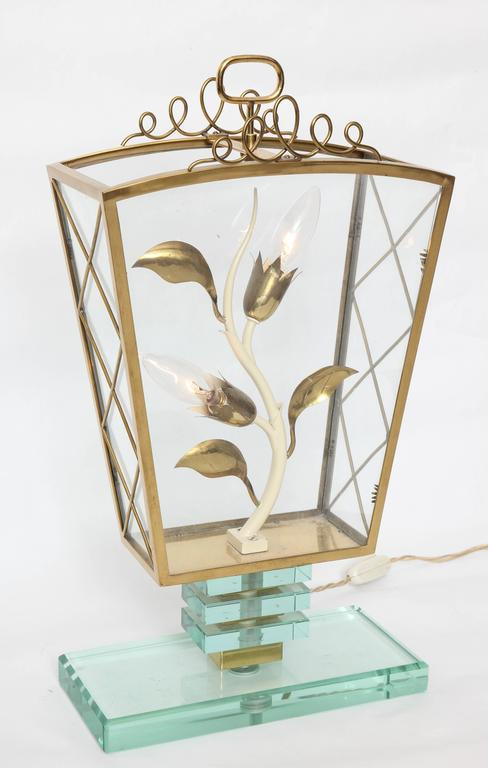 Mid-Century Modern 1940s Italian Art Moderne Lamp in the Style of Pietro Chiesa For Sale