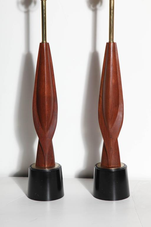 American Tall Pair Laurel Lamp Co. Walnut & Black Enamel Biomorphic Table Lamps For Sale