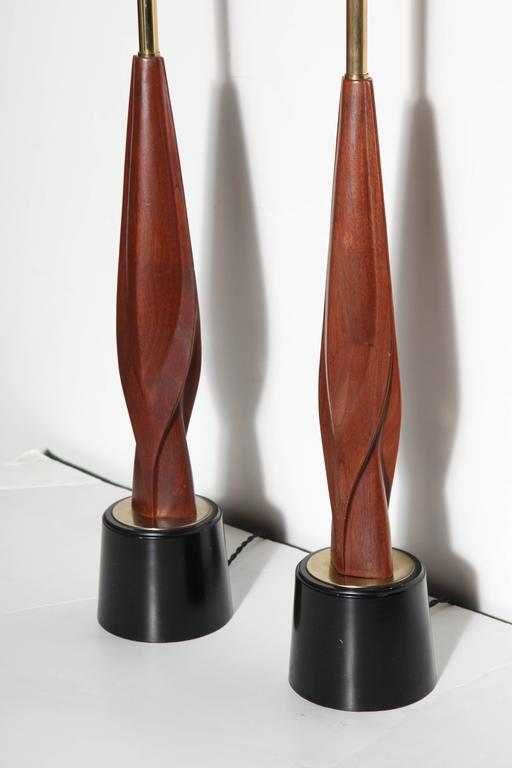 Mid-20th Century Tall Pair Laurel Lamp Co. Walnut & Black Enamel Biomorphic Table Lamps For Sale