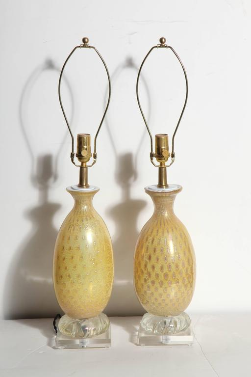 Pair of Yellow & White Murano Glass Table Lamps with Silver inclusions, 1950s  For Sale 2