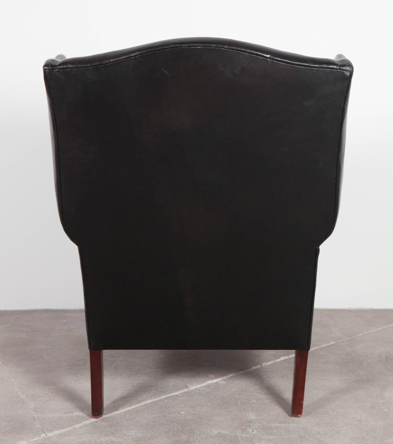 Pair of hans wegner lounge chairs at 1stdibs - Black Leather Curved Arm Wing Back Club Chair For Sale At