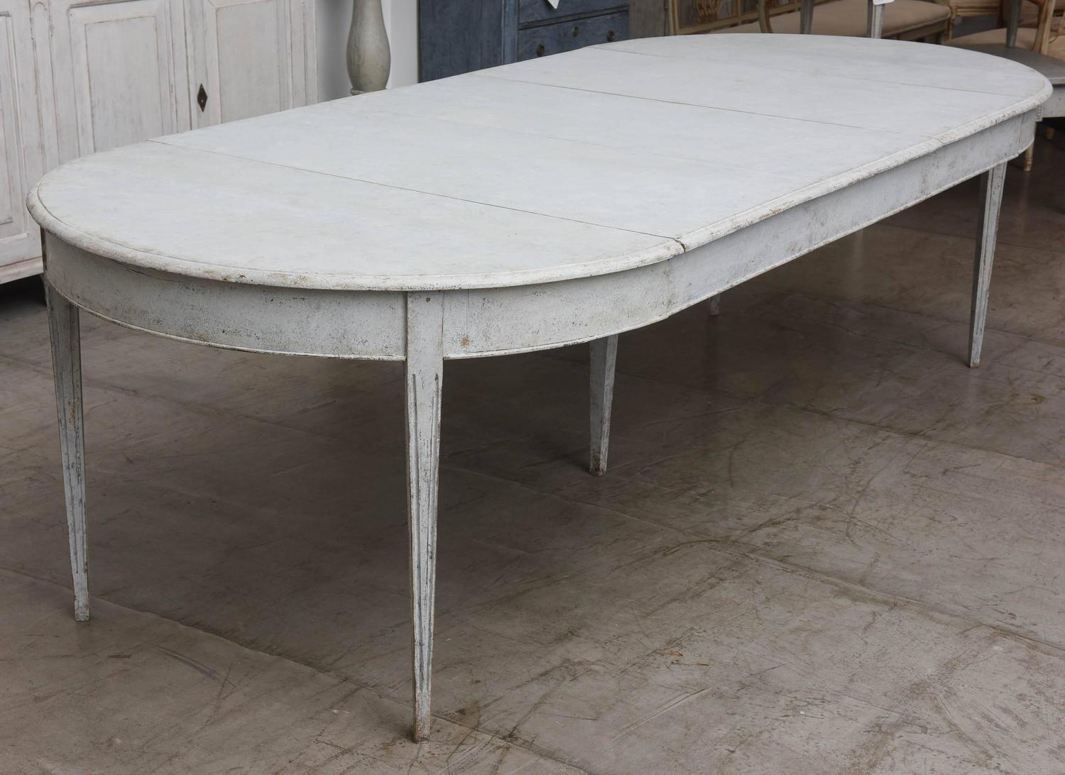 Antique swedish dining table with three leaves at 1stdibs for 3 leaf dining room tables