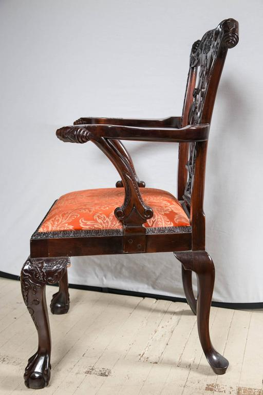 Hand-Carved Set of Eight Chippendale Style Dining Chairs For Sale