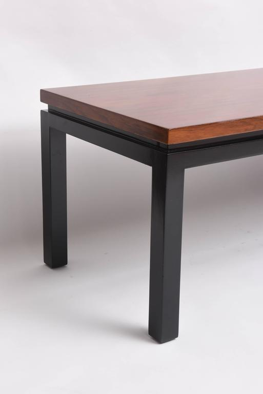 Mid-Century Modern Walnut Wood Bench or Cocktail Table, Style of Harvey Probber In Good Condition For Sale In West Palm Beach, FL