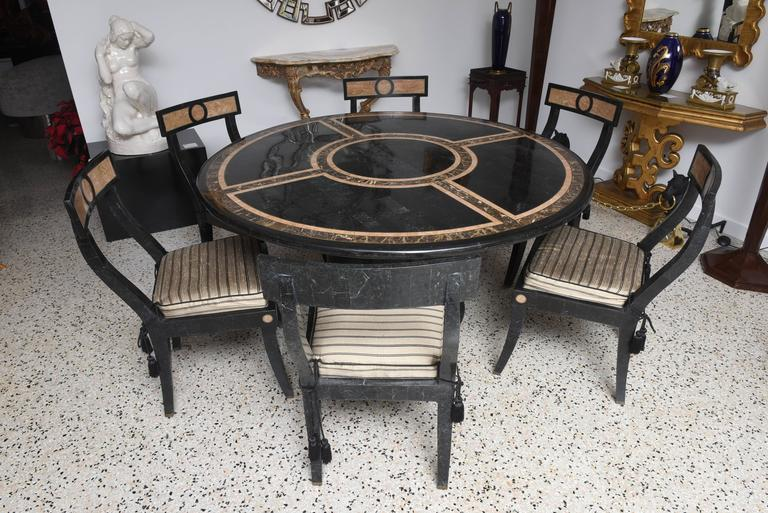 Hollywood regency style dining table and chairs in the style of maitland smith at 1stdibs for Regency furniture living room sets