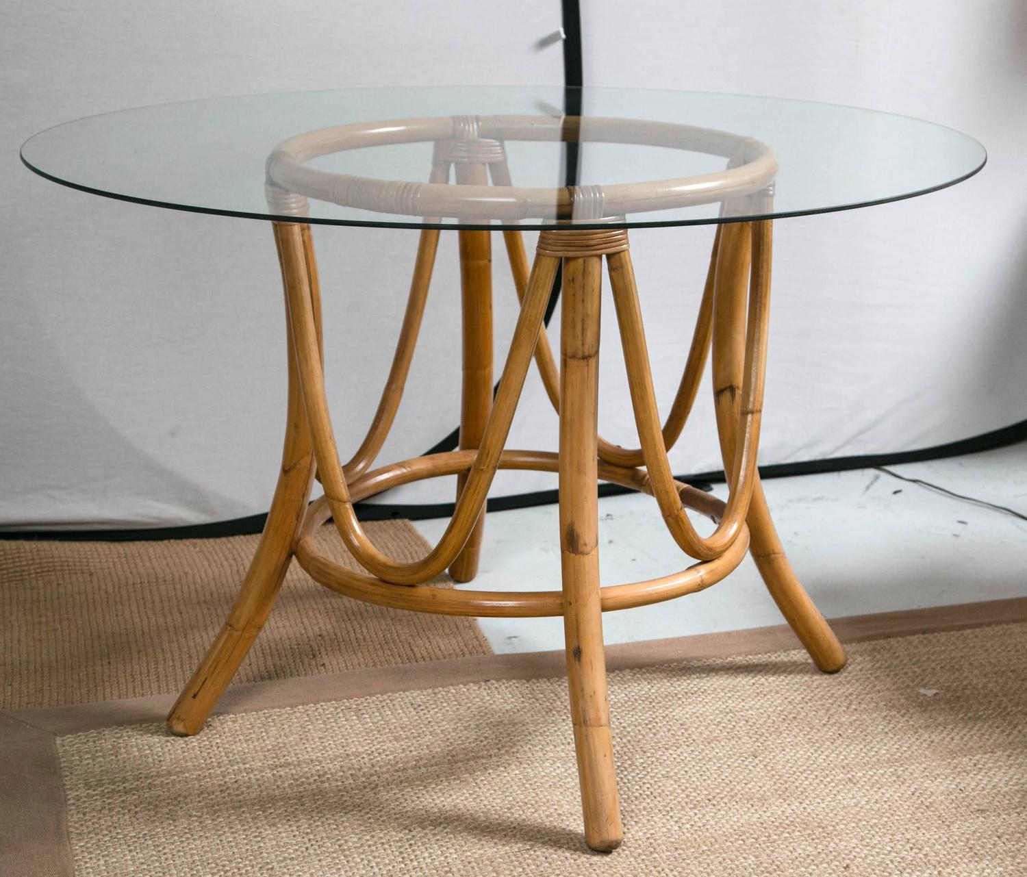 Vintage Bamboo Rattan Round Dining Table and Chairs at  : IMG7810z from www.1stdibs.com size 1500 x 1281 jpeg 198kB