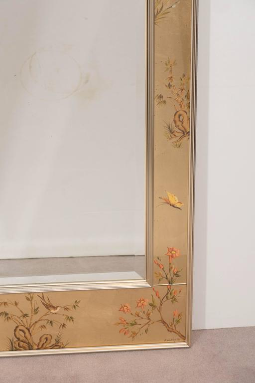 Labarge Mirror with Hand-Painted Églomisé Frame in the Chinoiserie Style In Good Condition For Sale In New York, NY