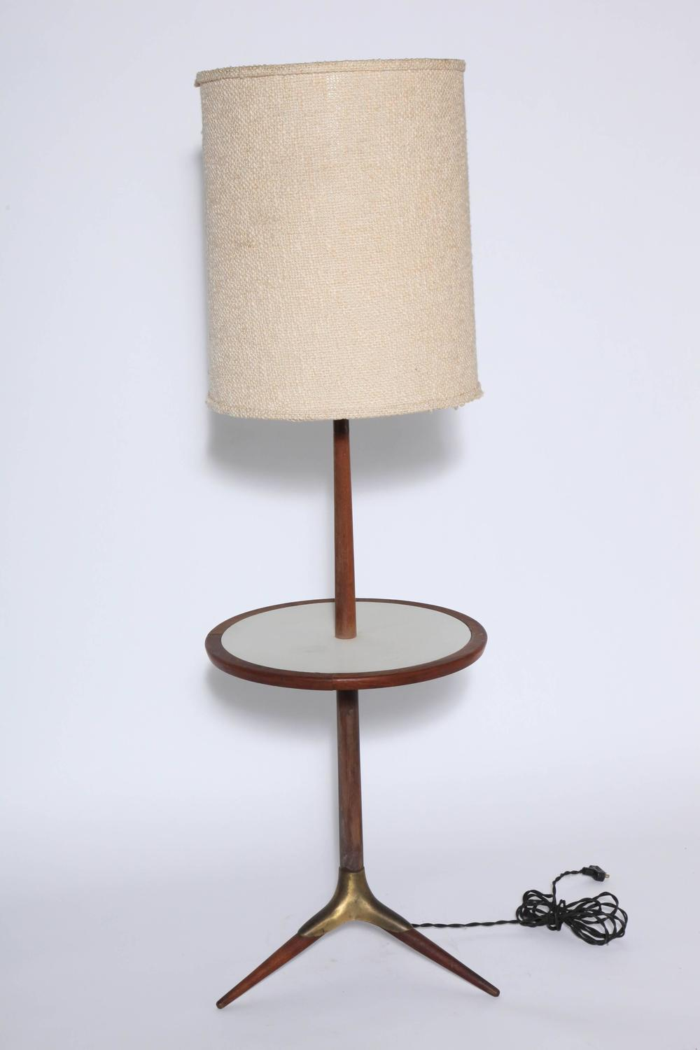 early gerald thurston tripod floor lamp and side table at 1stdibs. Black Bedroom Furniture Sets. Home Design Ideas