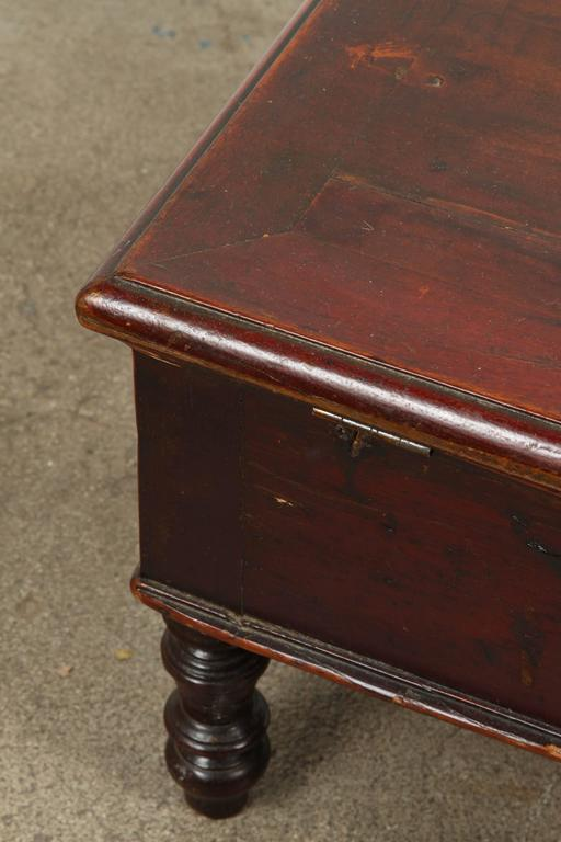 19th Century Victorian mahogany dressing table box with mirror. A gorgeous Victorian dressing jewelry chest with original glass with wood backing. This is an antique English dressing table box with mirror, circa 1890.  It is made from flame mahogany