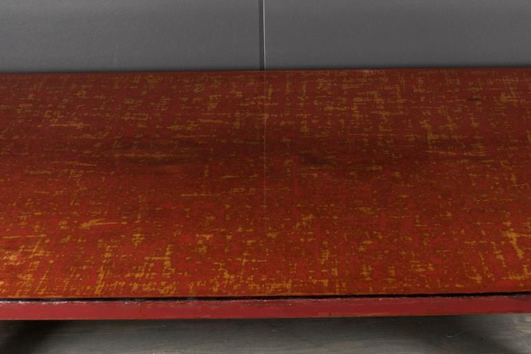 Mid-Century Modern Chinese Red Lacquered Coffee Table on Ebonized Table Legs 9