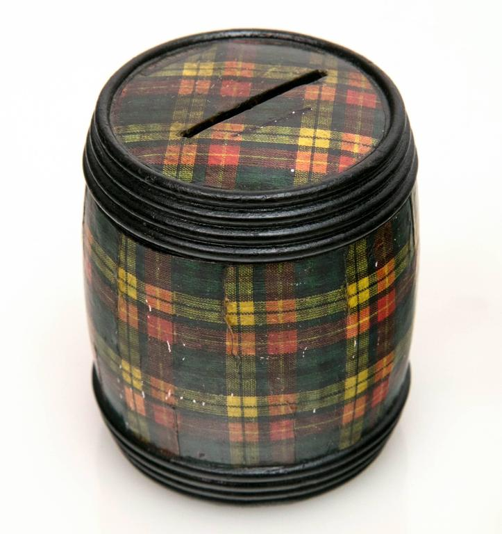 Scottish Group of Three Miniature Tartanware Boxes For Sale