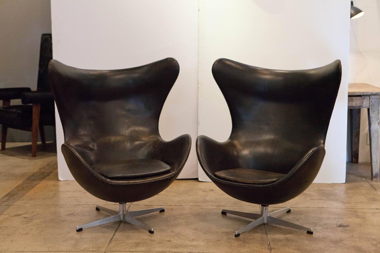two vintage egg chairs by arne jacobsen denmark at 1stdibs. Black Bedroom Furniture Sets. Home Design Ideas