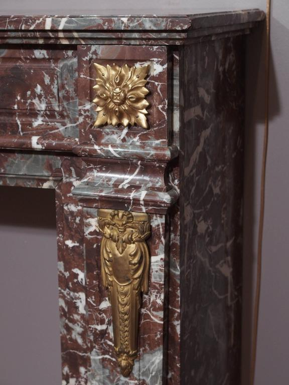 Antique French Bronze Mounted Marble Mantle In Good Condition For Sale In New Orleans, LA