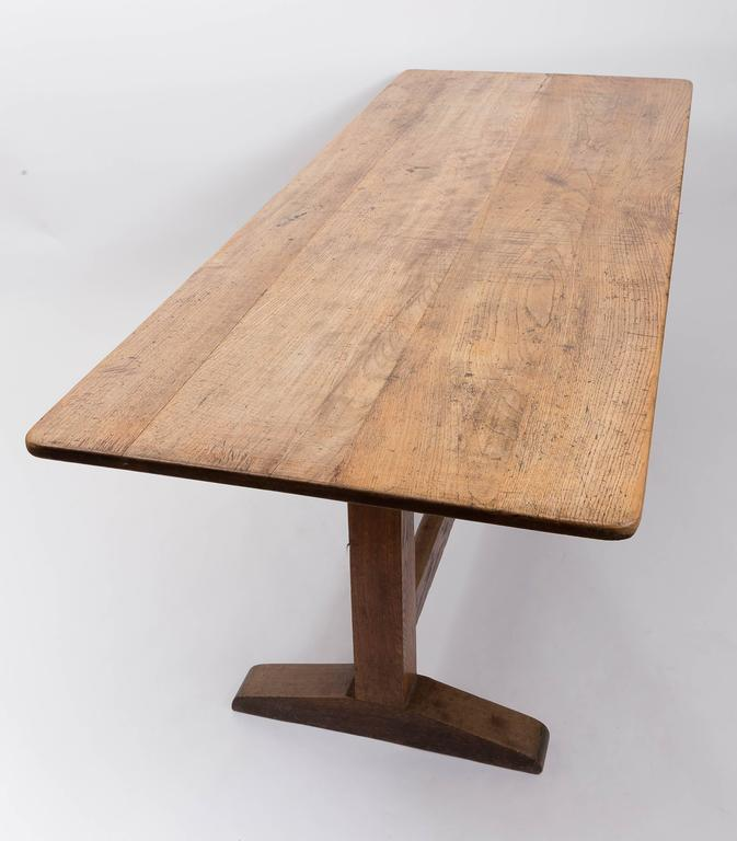 19th Century English Oak and Elm Table, England, circa 1850 4