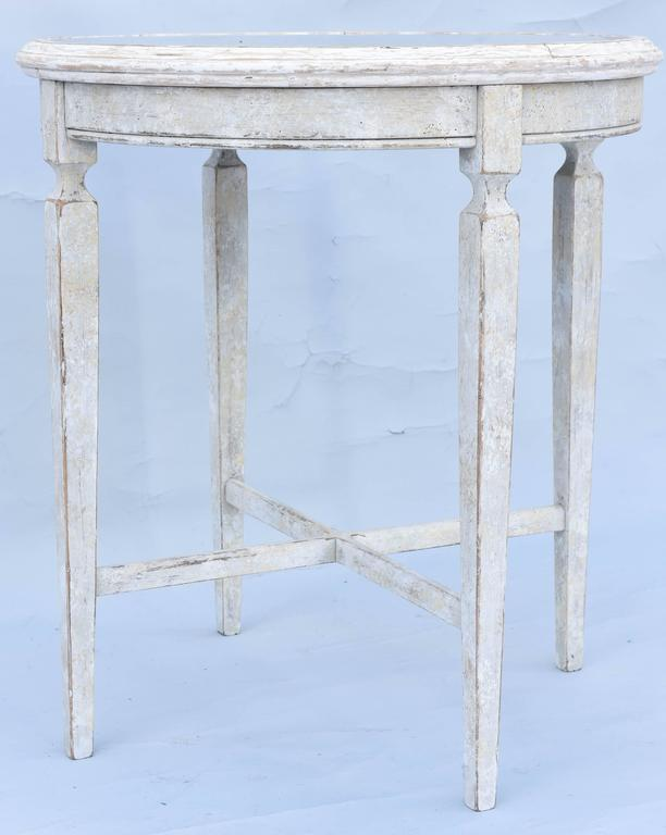 Painted Occasional Table with Mirrored Top For Sale 3