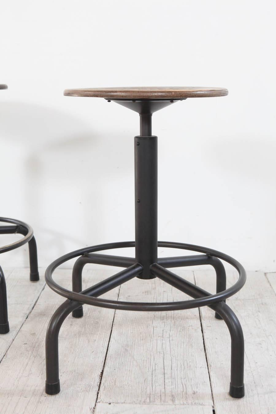 Metal and wood swivel adjustable height counter stool at 1stdibs - Aluminum counter height stools ...