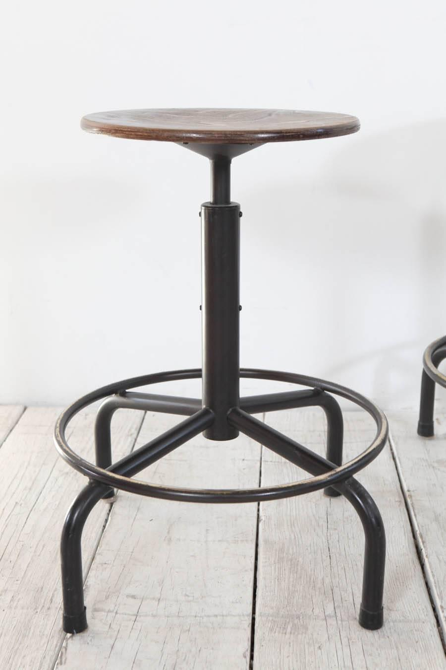 Metal and Wood Swivel Adjustable Height Counter Stool at  : IMG0934z from www.1stdibs.com size 900 x 1350 jpeg 64kB