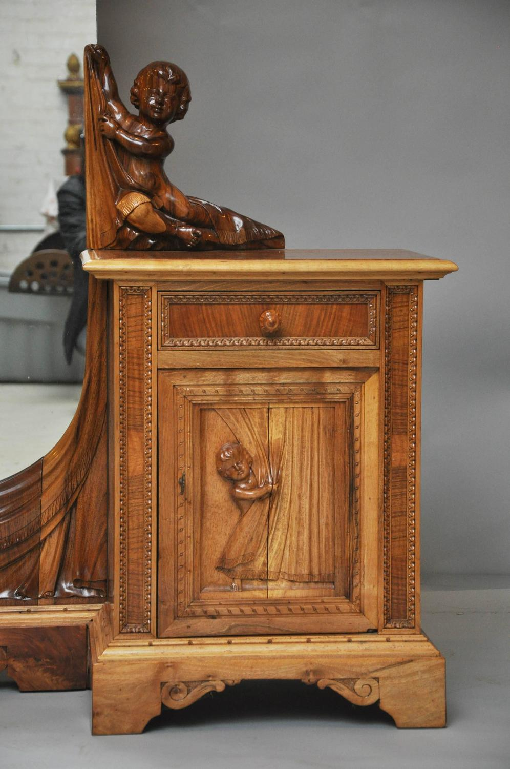 19th century venetian putti dressing table and mirror for for Vanity table and mirror for sale