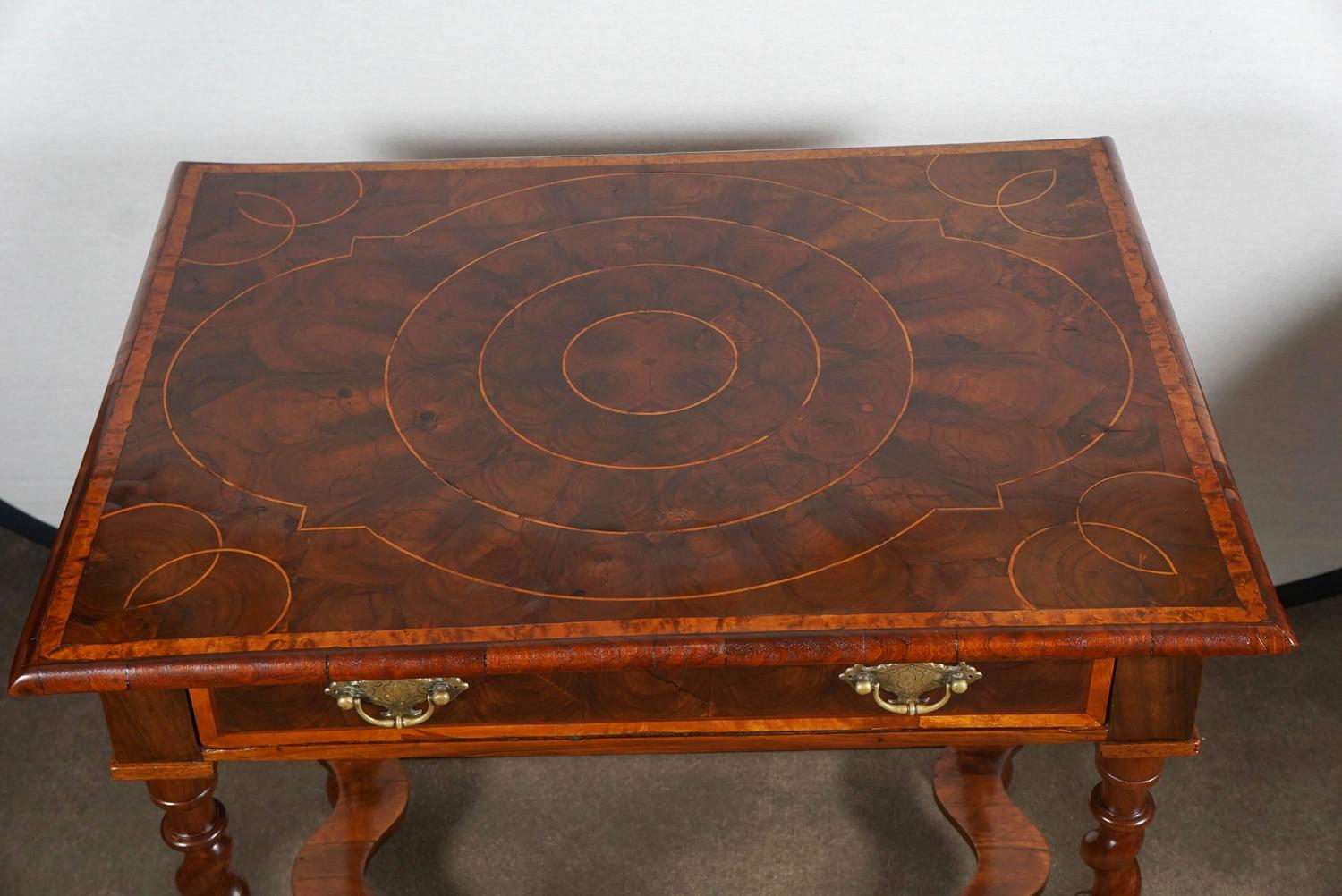 Queen Anne Style Table At 1stdibs