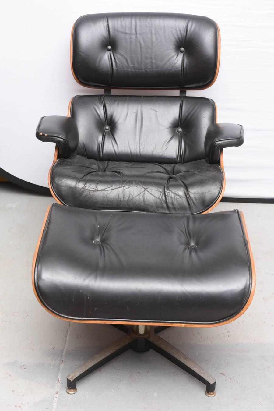 Late 1960s Eames Style Chair In Rosewood And Leather Usa