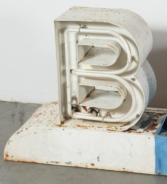 Vintage Americana Mid-Century Neon Barber Shop Sign In Good Condition For Sale In Santa Monica, CA