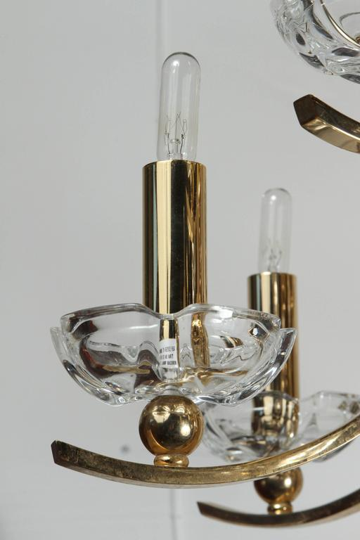Elegant Twelve-Arm Polished Brass Chandelier For Sale 5