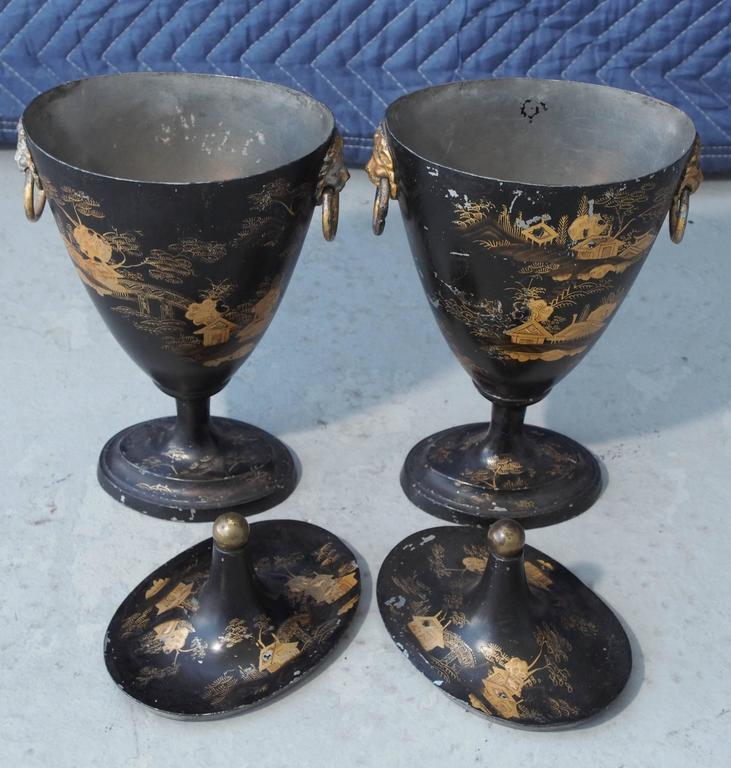 English Pair of Early 19th Century Tole Piente Chestnut Urns with Chinoiserie Decoration For Sale