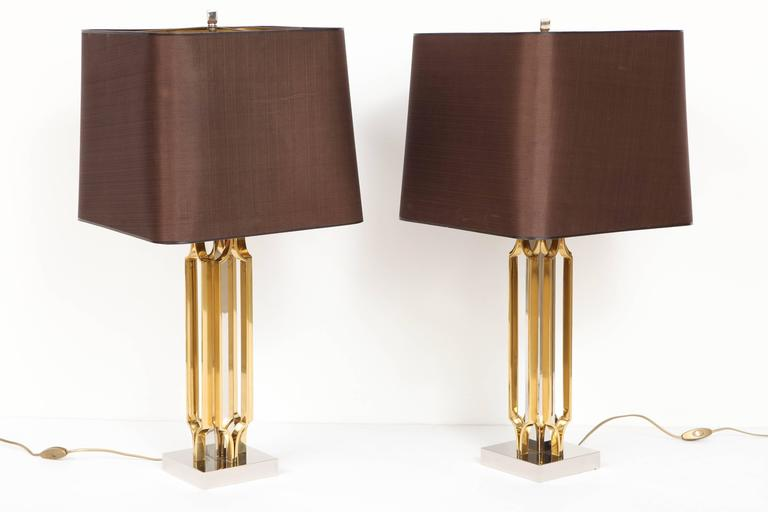 Mid-Century Modern Pair of Lamps by Willy Daro For Sale