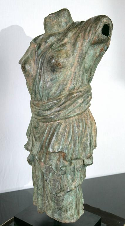 Draped Female Torso in Bronze, after the Antique In Excellent Condition For Sale In Woodbury, CT
