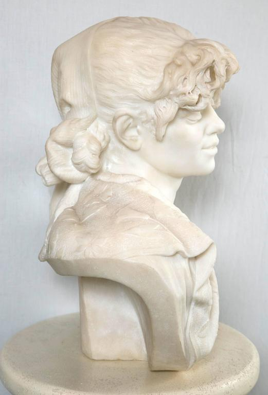 Carved White Marble Bust of a Young Lady In Excellent Condition For Sale In Woodbury, CT