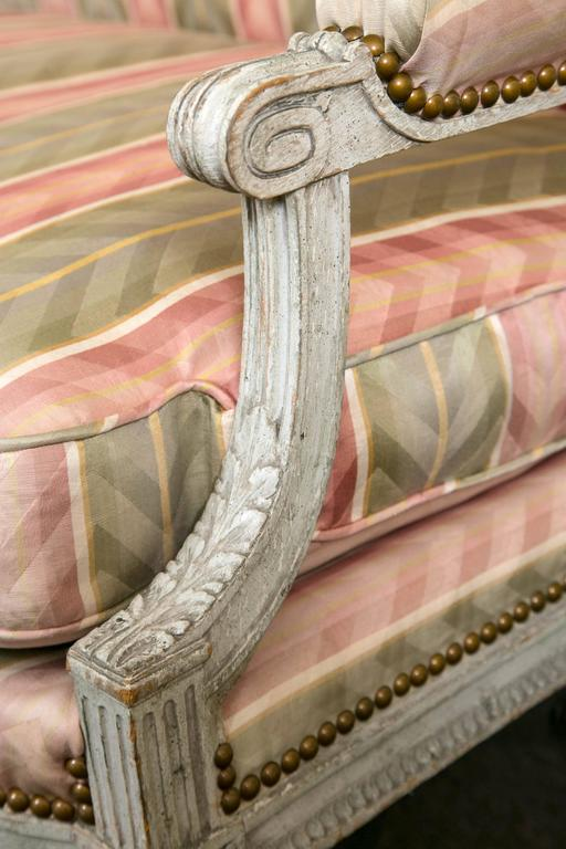 Paint Decorated Frame Louis XVI Style Settee attributed to Jansen Detailed Sofa In Good Condition For Sale In Stamford, CT