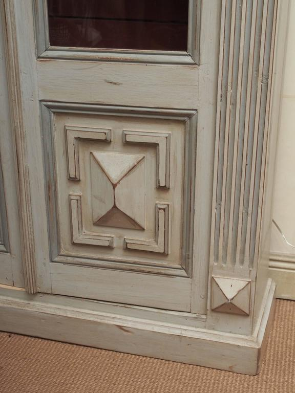 Pair of Louis XVI Bookcases In Good Condition For Sale In New Orleans, LA