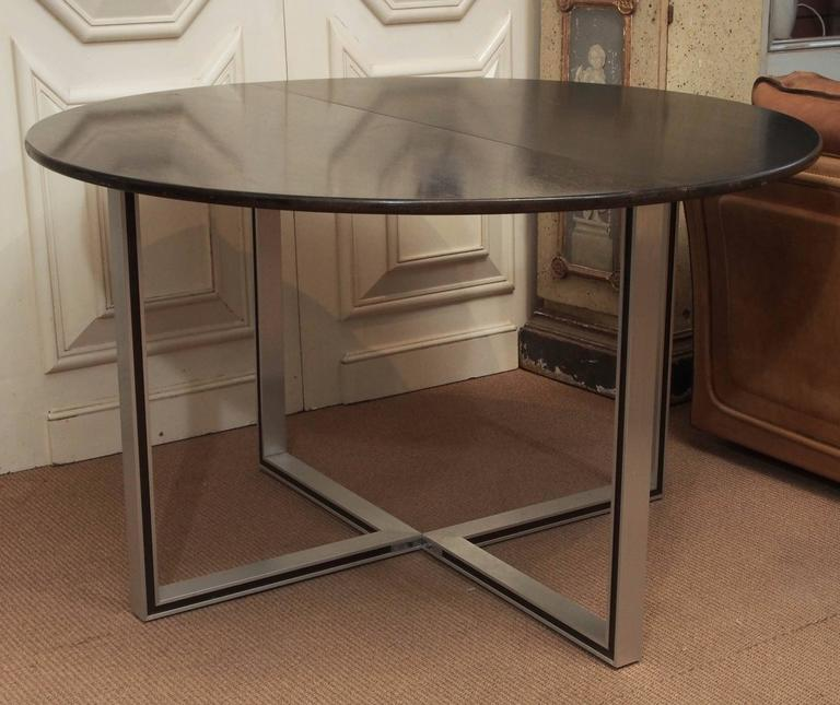 Drop-Leaf Circular Table, 20th Century In Excellent Condition For Sale In New Orleans, LA
