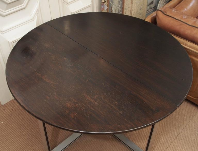 Drop-Leaf Circular Table, 20th Century For Sale 2