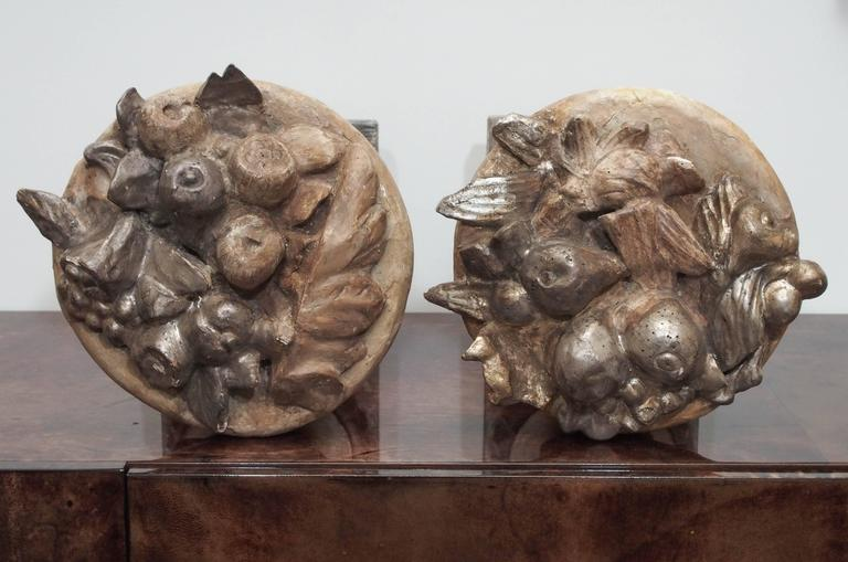 19th Century Pair of Carved Fruit Bowls For Sale