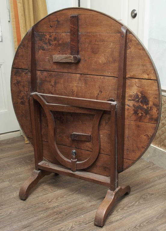 A French Late-19th Century Oak Wine Table  For Sale 2
