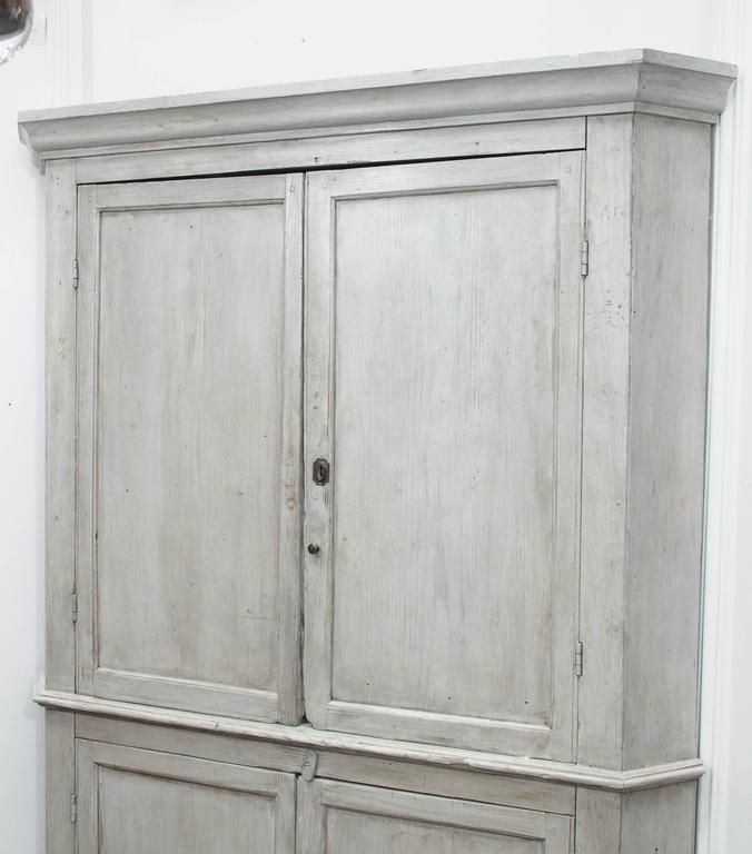 Early English White Wash Corner Cupboard with Scalloped Base 2