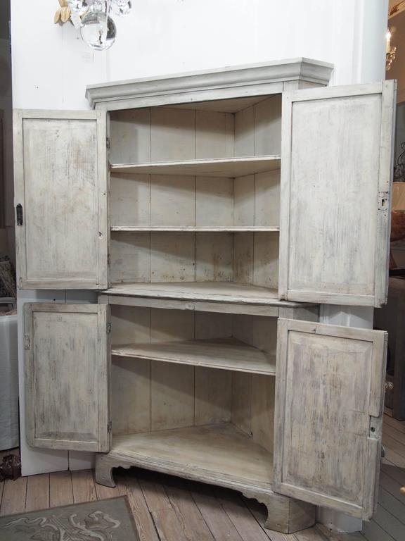 Early English White Wash Corner Cupboard with Scalloped Base 4