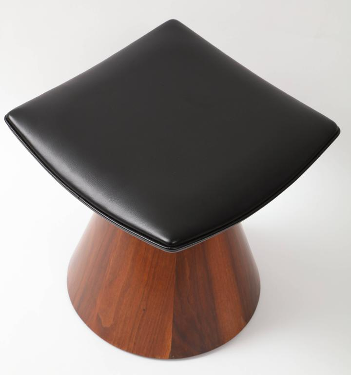 20th Century William Keyser Walnut and Leather Pedestal Stools, 1969 For Sale