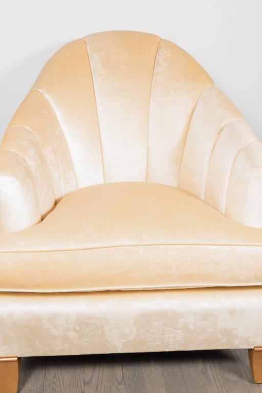 Elegant Pair of Channel-Back Art Deco Club Chairs in Cream Oyster Velvet In Excellent Condition For Sale In New York, NY