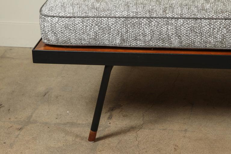 Montrose Daybed by Lawson-Fenning 5