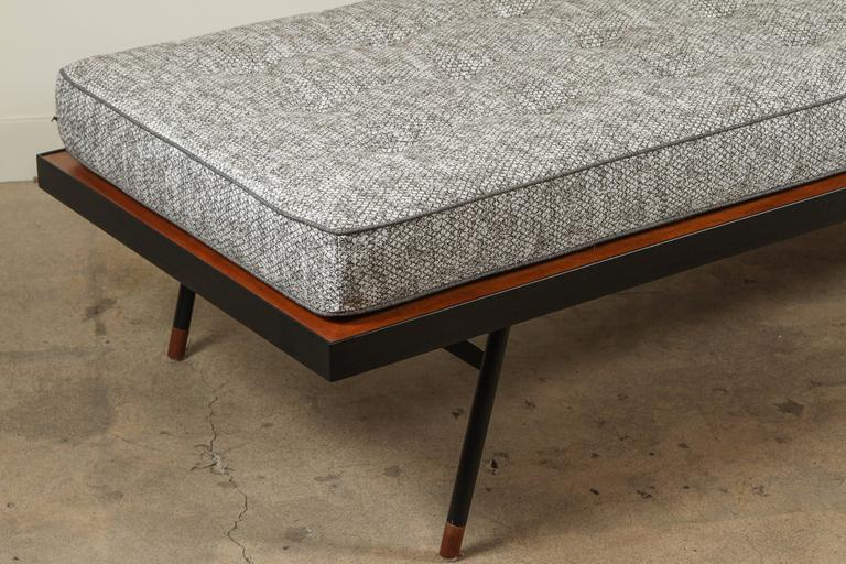 Montrose Daybed by Lawson-Fenning 7
