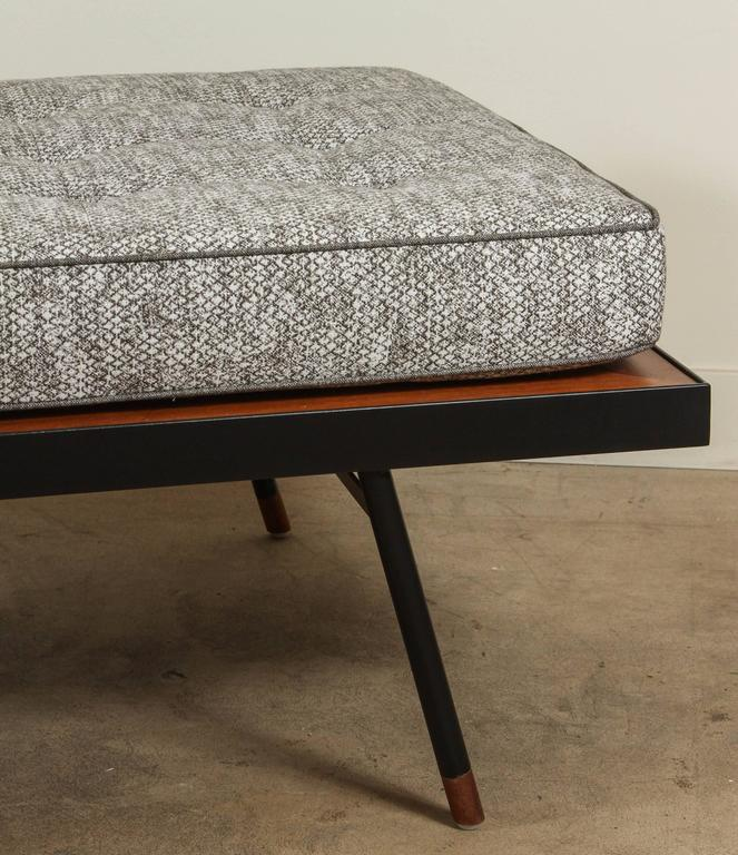 Montrose Daybed by Lawson-Fenning 8