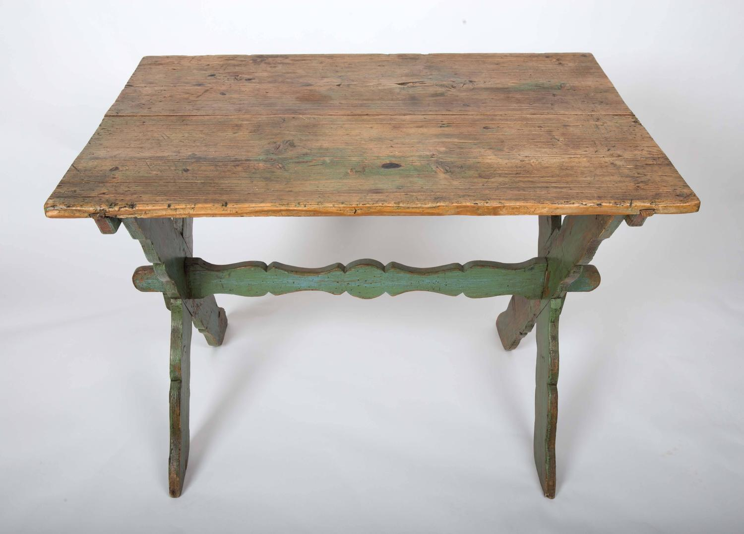 Rustic Farm Table With Painted Wood Base At 1stdibs. Full resolution  file, nominally Width 1500 Height 1076 pixels, file with #946638.