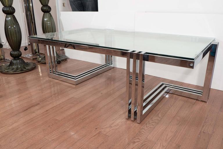Two-Tier Chrome and Lucite Coffee Table In Good Condition For Sale In New York, NY