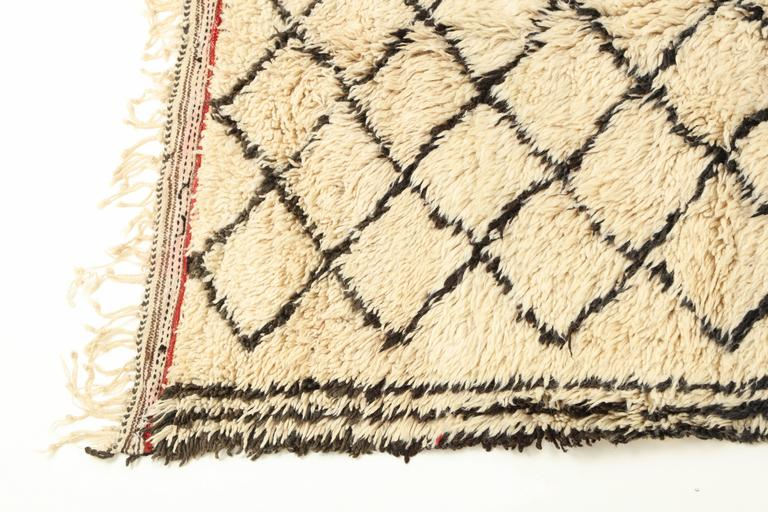 Mid-Century Modern Vintage Beni Ourain Moroccan Rug For Sale